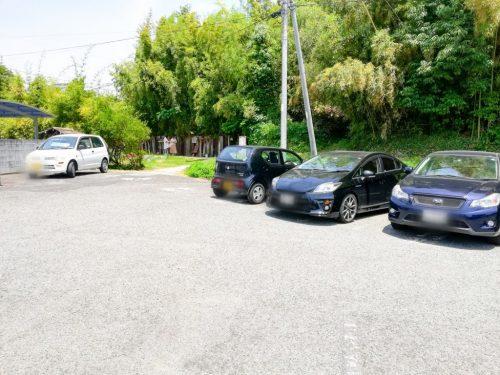 ピンクスマルシェ駐車場