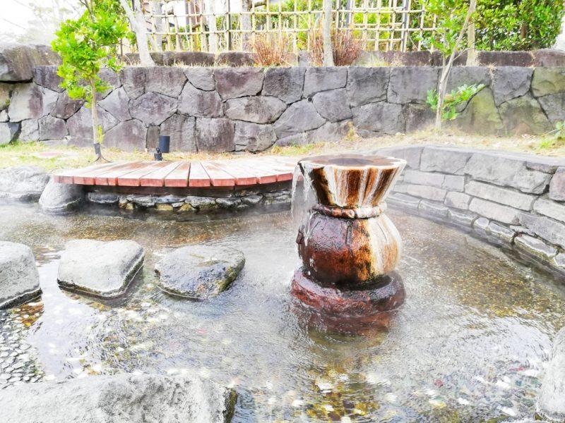 立願寺公園「しらさぎの足湯」